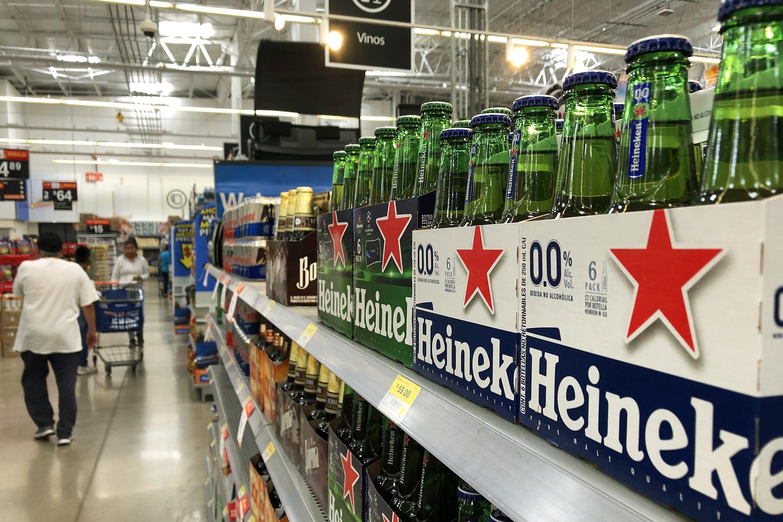Heineken México regalará cervezas a quienes apoyen a negocios y meseros