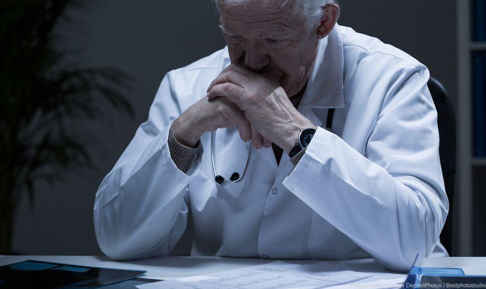 ddc medico preocupado