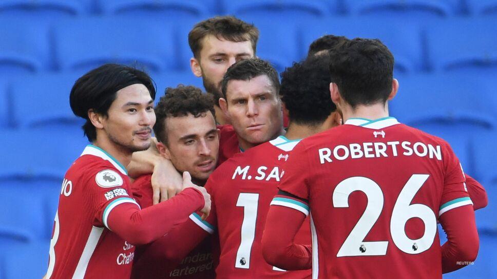 Liverpool festeja el gol de Diogo Jota