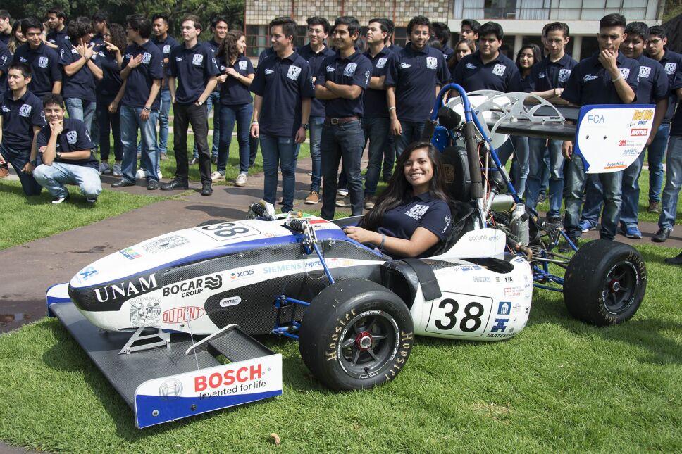 UNAM Motosports exhibe autos que construyó tipo Fórmula 1