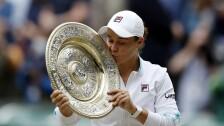 Ashleigh Barty levanta el plato de Venus de Wimbledon