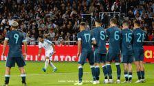 18 Luis Suarez.jpg