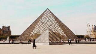 El Museo del Louvre abre sus puertas de forma virtual y presenta su colección de arte