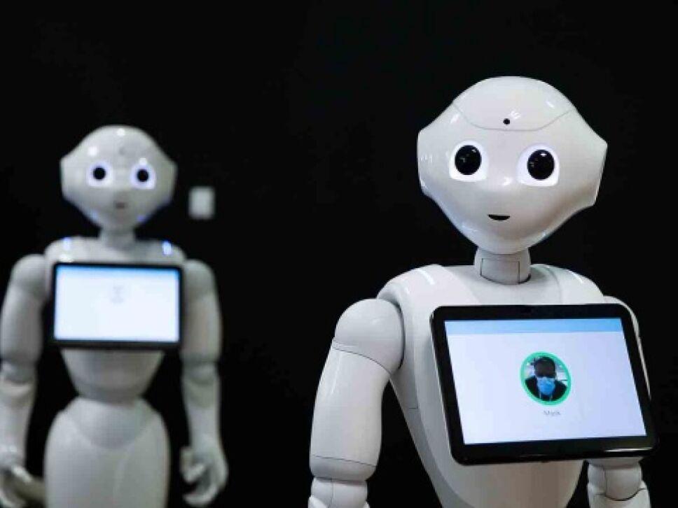 Crean a Pepper, el robot que te recuerda que debes usar cubrebocas