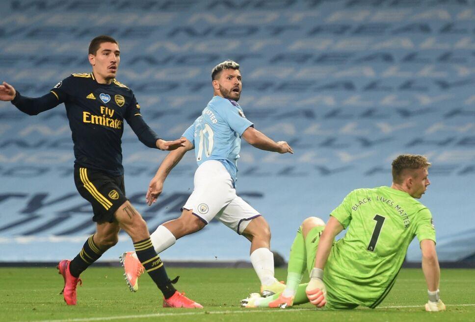 Agüero no pudo mojar ante el Arsenal