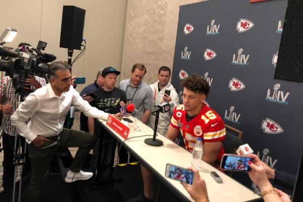 Enrique Garay con los Chiefs