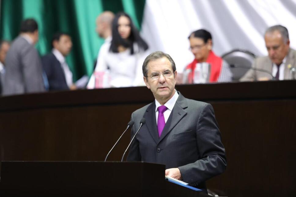 Esteban Moctezuma en la Camara de Diputados