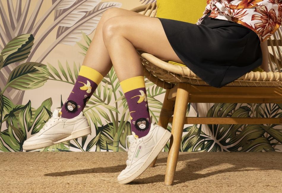 La moda y las últimas tendencias no solo se llevan en los vestidos, pantalones, faldas o blusas, también se pueden llevar en los pies en forma de calcetines.