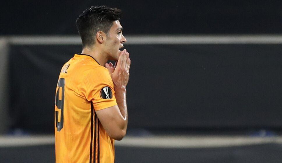El motivo por el que la Juventus descartó a Raúl Jiménez