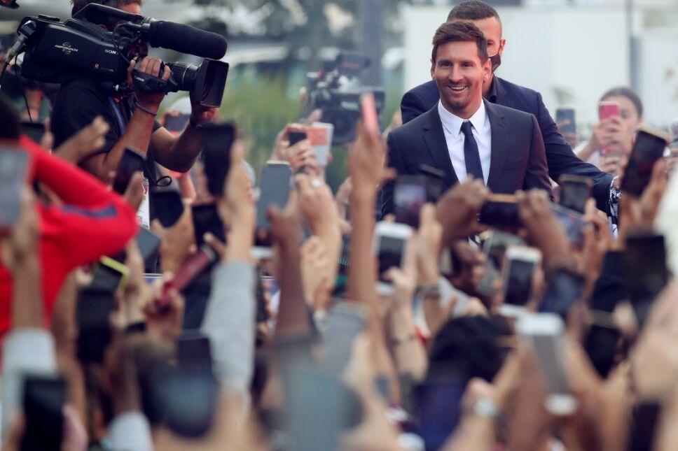Messi PSG presentacion.jpg