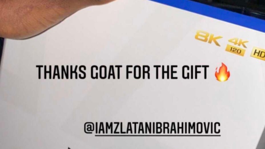 Zlatan regaló el Play Station 5