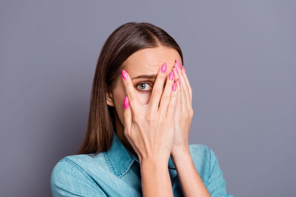 ¿Qué es la positividad tóxica y por qué debes alejarla de inmediato de tu vida?