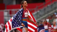 Sydney McLaughlin impone récord mundial en los 400 metros con vallas.png