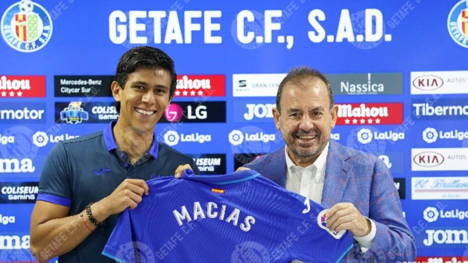 J.J. Macías con la camiseta del Getafe