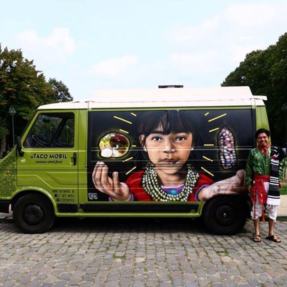 Cultura triqui llega a Berlín con obra del mexicano Joel Merino
