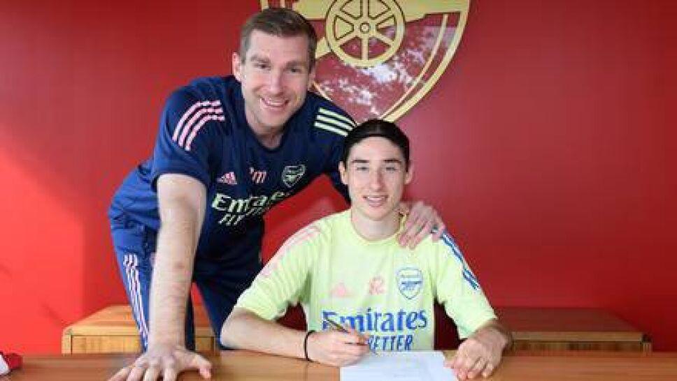 Marcelo Flores firmó con el Arsenal