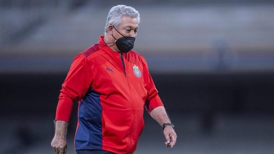 Chivas despide a Vucetich.png