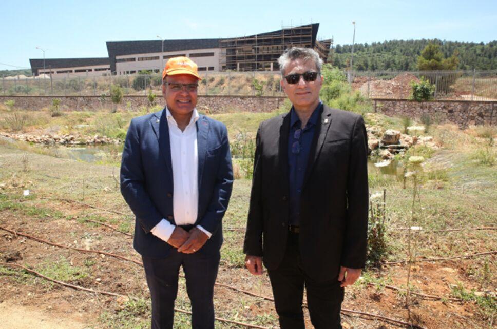 parque-mariposas-alcalde-y-presidente-de-klil-tzuri.png