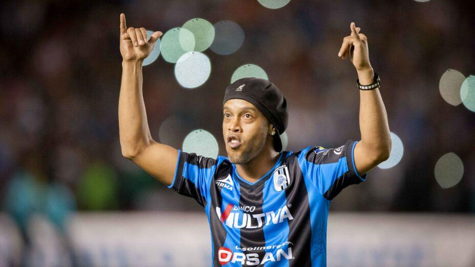Ronaldinho con Querétaro