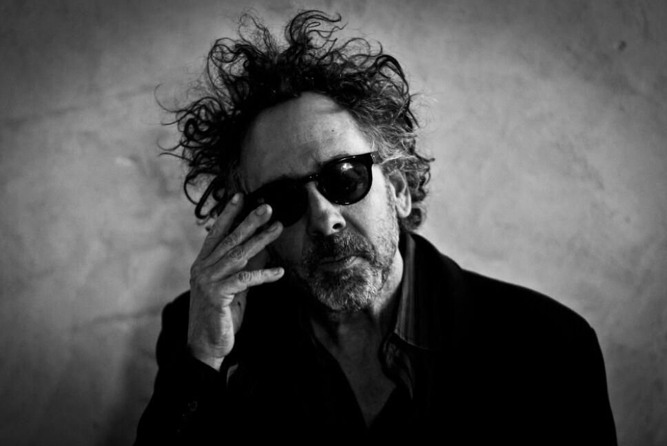 Foto: Especial / Tim Burton posando en shooting
