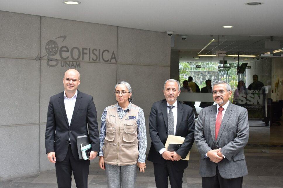 Expertos en sismos y autoridades de Protección Civil reunidos en la UNAM