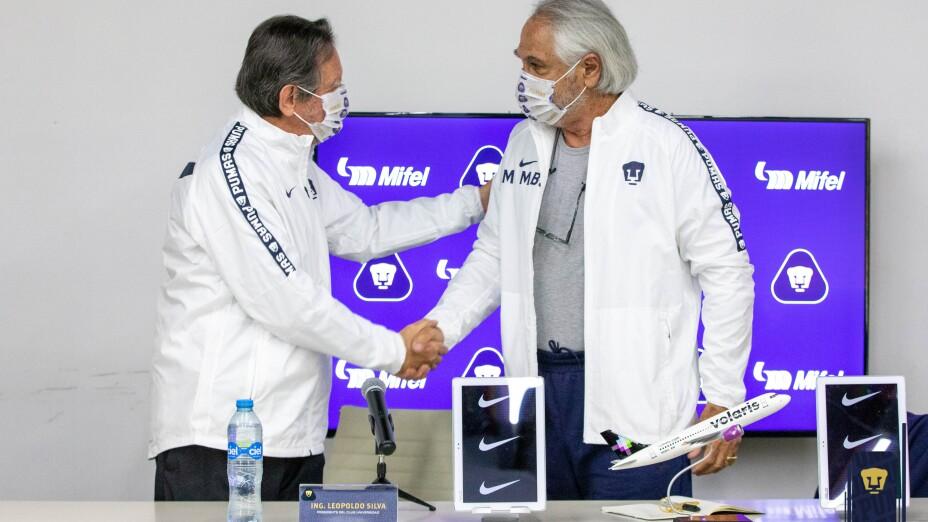 Presentacion Miguel Mejía Barón Pumas.jpg