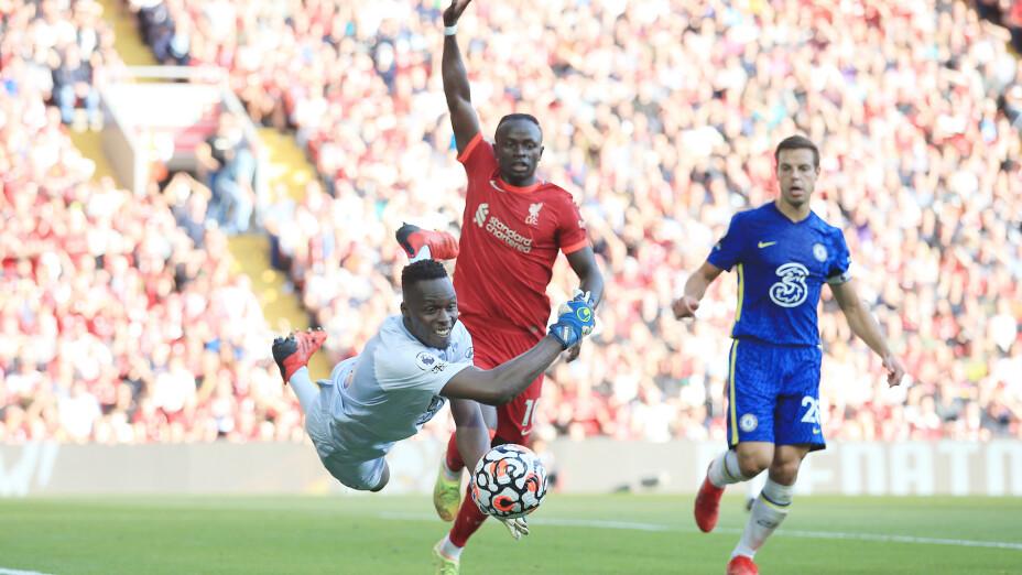 Édouard Mendy evita derrota de Liverpool vs Chelsea.