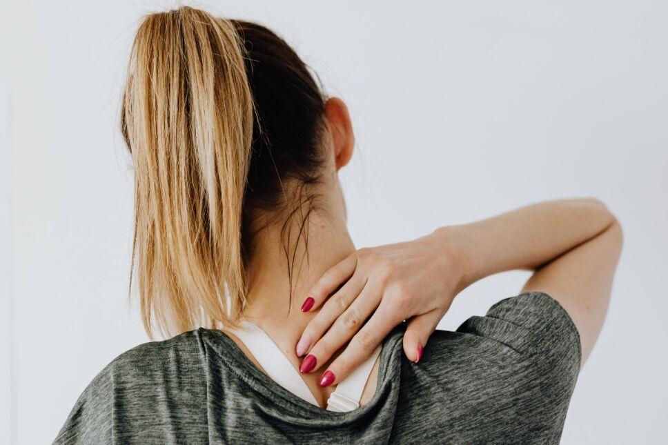 ¿Dolor de espalda intenso? Este método japonés te liberará en 3 minutos