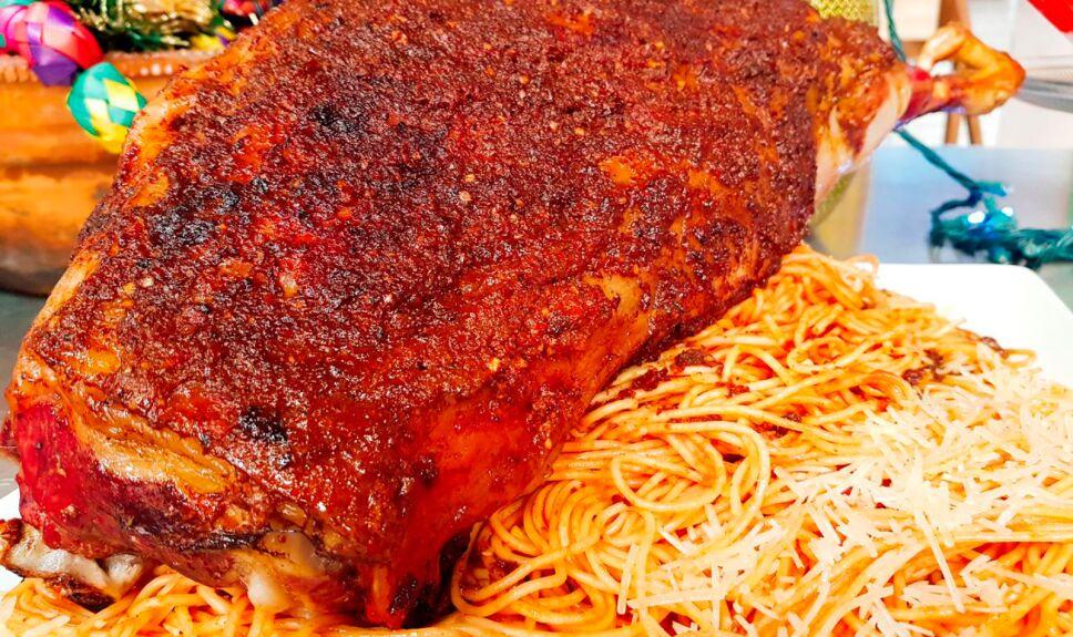Pierna de cordero borracha con espagueti en salsa de tomate