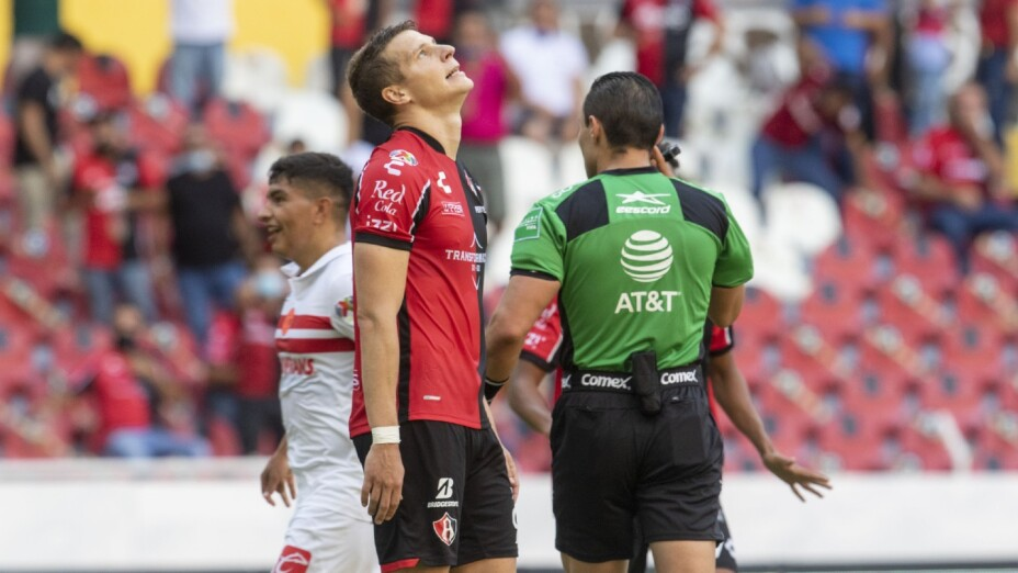 Julio Furch falla penalti con el Atlas