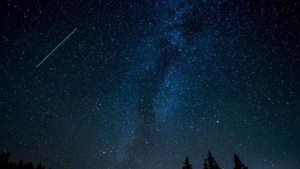 Lluvia de estrellas, cometa b.jpg