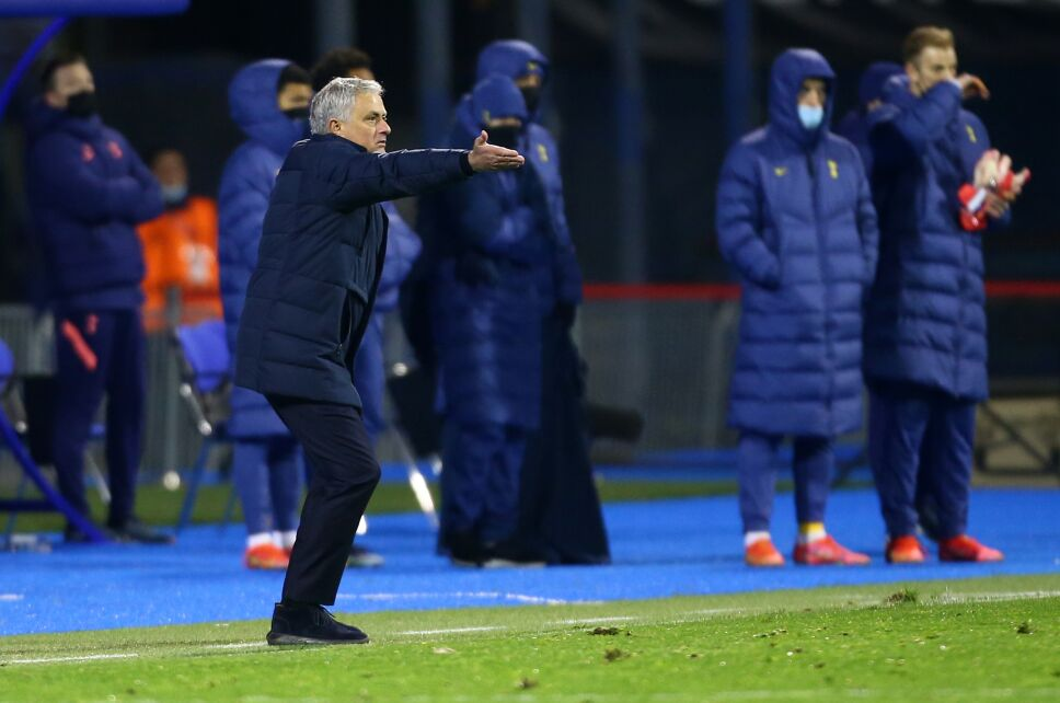 Mourinho se desploma en la Europa League