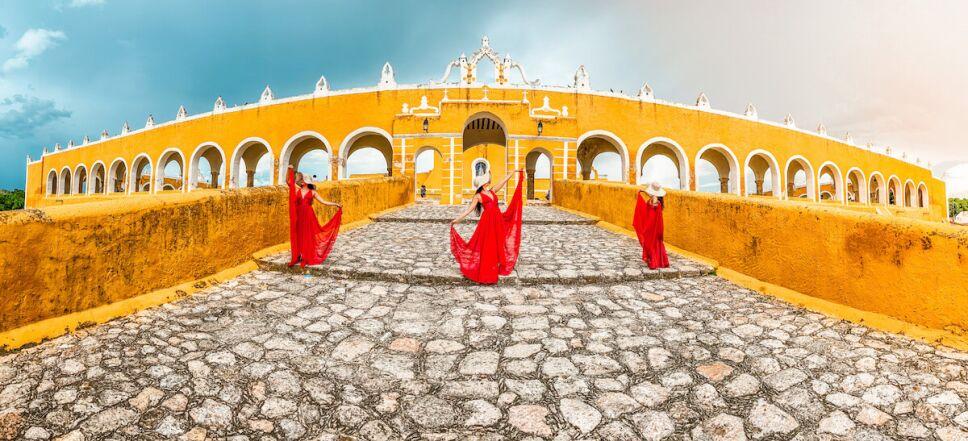 Izamal, el pueblo mágico color amarillo de Yucatán que debes conocer