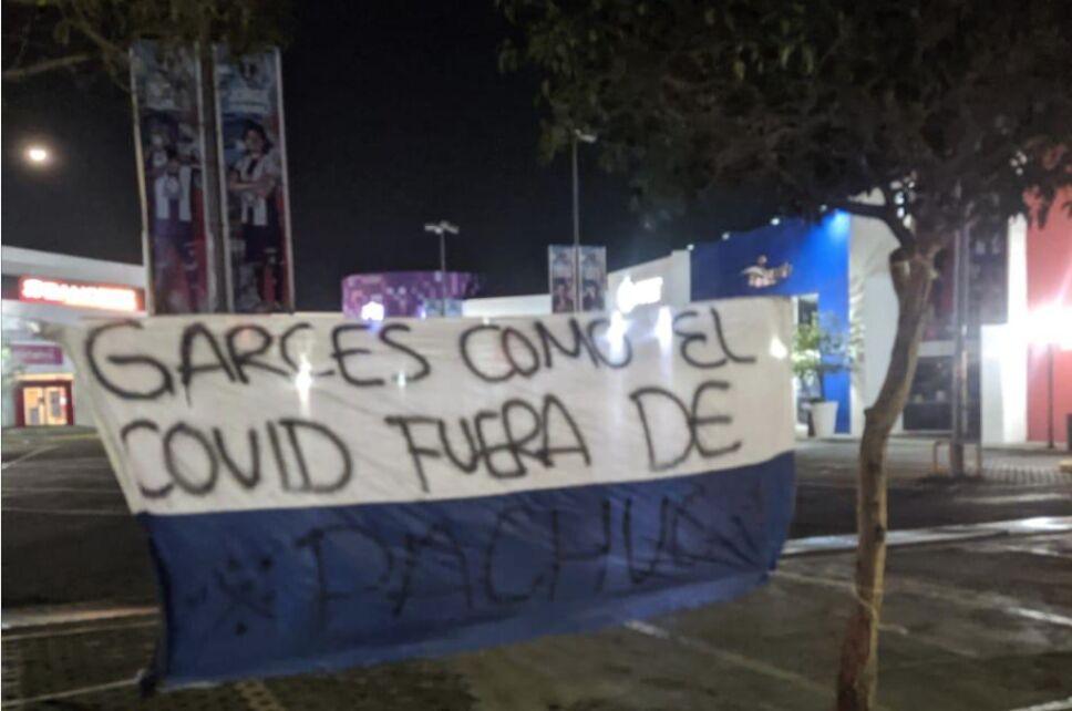 Afición de Pachuca exigió la salida de Garcés