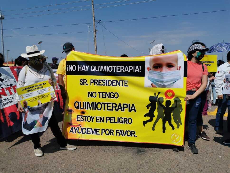 Manifestaciones durante visita de AMLO a Sonora