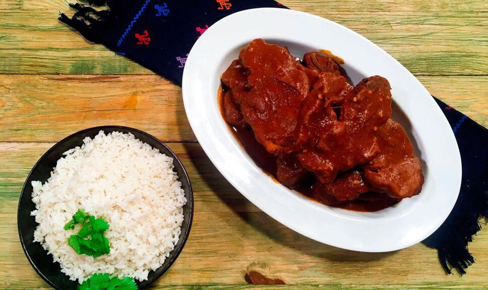 Receta Espinazo de cerdo en salsa de frijol
