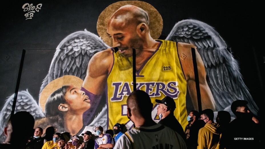 Kobe Bryant recordado por los Lakers