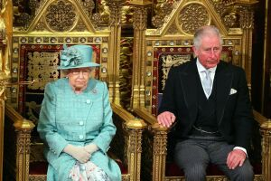 reina isabel y principe carlos