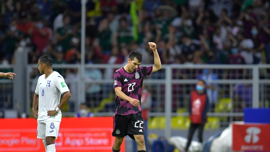 Hirving 'Chucky' Lozano celebra su gol vs Honduras
