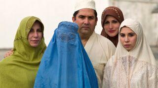 Por qué los talibanes pueden aplastar 20 años de conquistas de las mujeres afganas