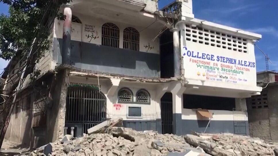 Haití sumergida en muerte, destrucción y olvido tras sismo.