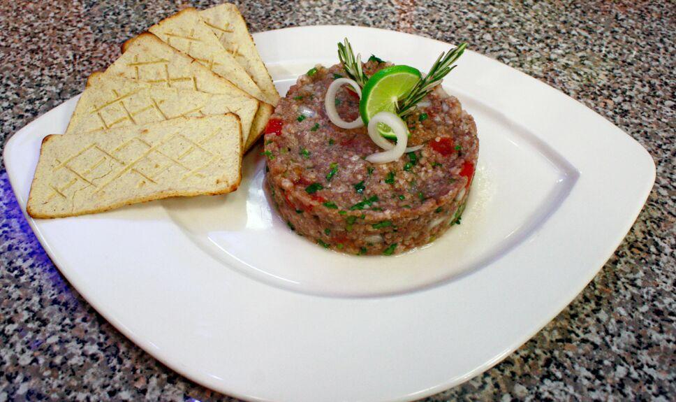 carne tártara, que hay de comer