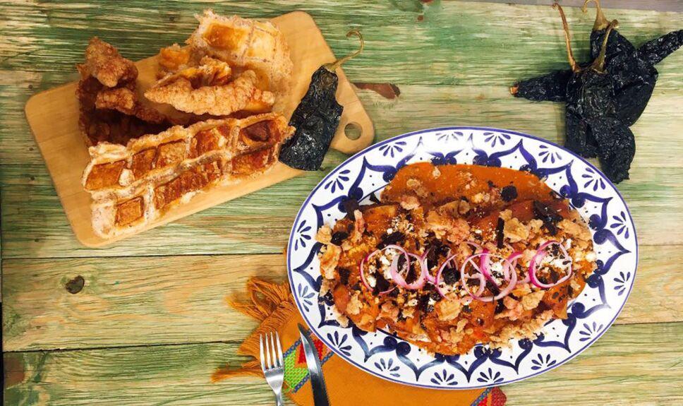 Receta Enchiladas de chicharrón a los dos chiles Cocineros Mexicanos