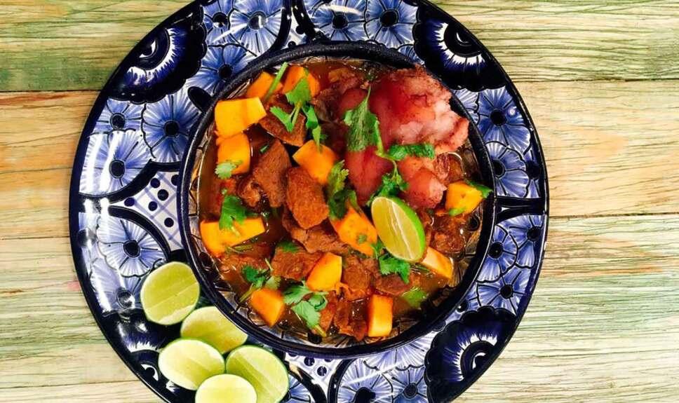 Receta Chile caldo de carne Cocineros Mexicanos