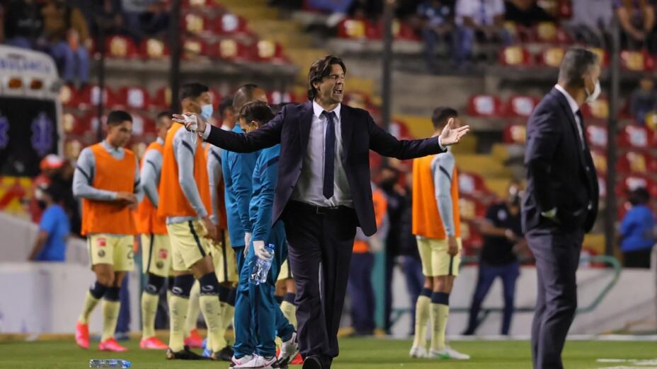 Santiago Solari ante el Querétaro