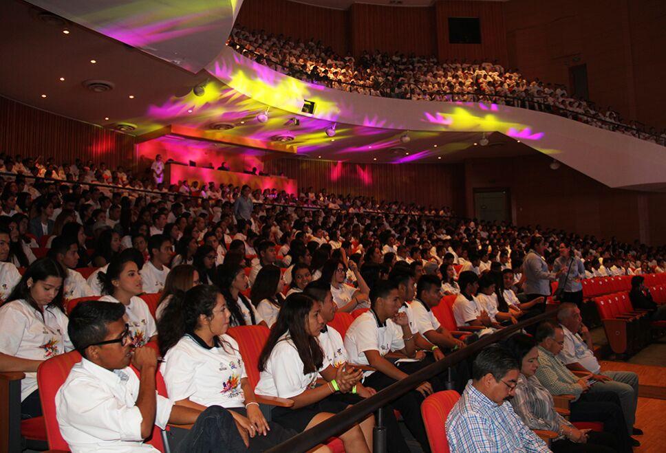 2000 personas se dieron cita en el Centro Cultural de Reynosa.
