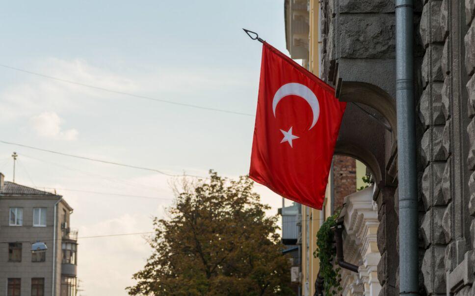 Estados Unidos suspende emisión de visas en Turquía