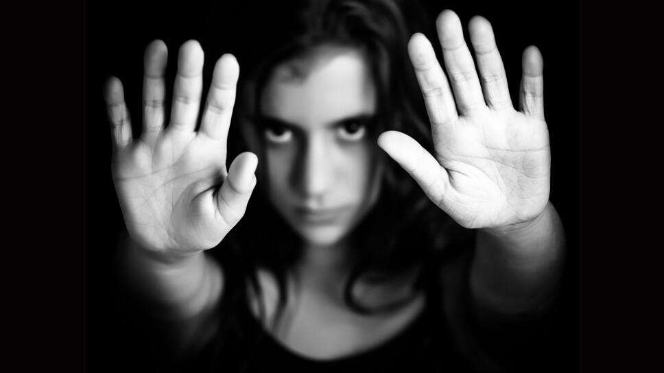 contra violencia de género depositphotos
