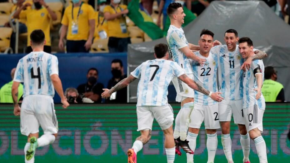 Argentina celebra el gol de Di María