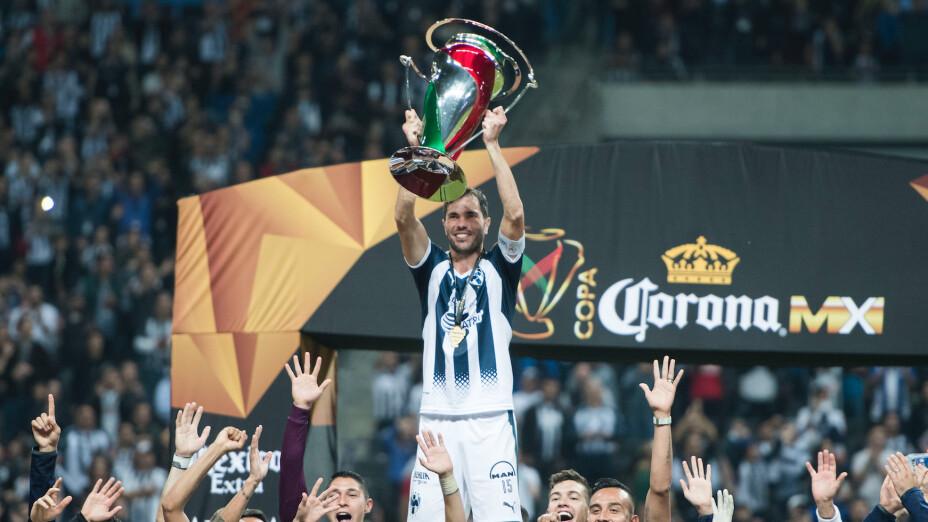 El 'Chema' Basanta es uno de los máximos emblemas de Monterrey y sigue en activo pese a que todavía no encuentra equipo después que le dijera adiós a Rayados en el pasado verano.